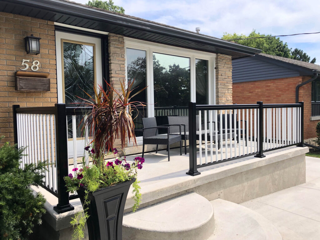 Renaissance Rail aluminum railings, black and white, on a porch in Kitchener, ON
